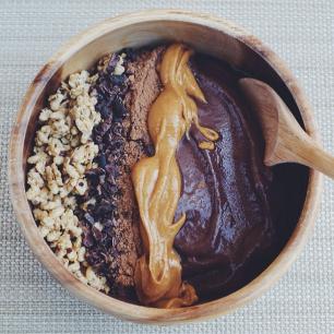 http://rutzacai.com/wp-content/uploads/2014/02/Chocolate-Peanut-Butter-Protein-Acai-Bowl3.png