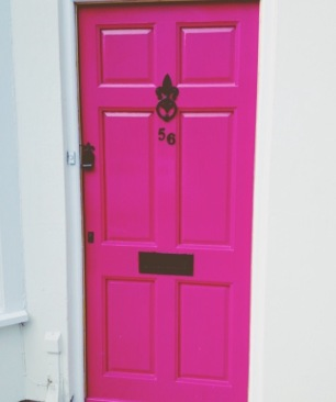 a sassy door in Notting Hill, London